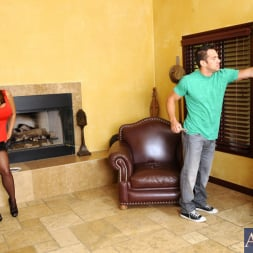 Ava Devine in 'Naughty America' and Johnny Castle in Seduced by a cougar (Thumbnail 1)