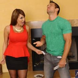 Ava Devine in 'Naughty America' and Johnny Castle in Seduced by a cougar (Thumbnail 3)