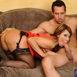 Ava Devine in 'Naughty America' and Johnny Castle in Seduced by a cougar (Thumbnail 7)