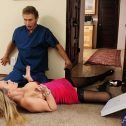 Abbey Brooks in 'Naughty America' and Michael Vegas in My Dad's Hot Girlfriend (Thumbnail 4)