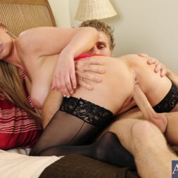 Abbey Brooks in 'Naughty America' and Michael Vegas in My Dad's Hot Girlfriend (Thumbnail 7)