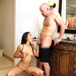 Lyla Storm in 'Naughty America' and Will Powers in I Have a Wife (Thumbnail 5)