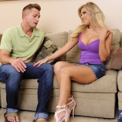 Aubrey Addams in 'Naughty America' and Bill Bailey in My Sisters Hot Friend (Thumbnail 1)