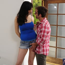 Diana Prince in 'Naughty America' and Logan Pierce in Seduced by a cougar (Thumbnail 12)