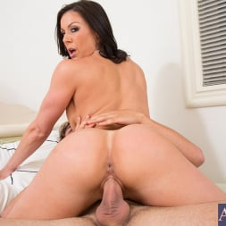 Kendra Lust in 'Naughty America' and Tyler Nixon in Seduced by a cougar (Thumbnail 14)
