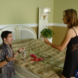 Payton Leigh in 'Naughty America' and Kris Slater in My Friends Hot Mom (Thumbnail 4)