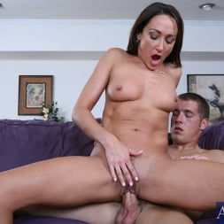 Michelle Lay in 'Naughty America' and Chris Johnson in My Friends Hot Mom (Thumbnail 12)