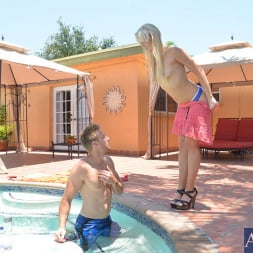Zoey Paige in 'Naughty America' and Levi Cash in My Sisters Hot Friend (Thumbnail 3)