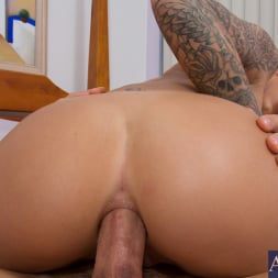 Juelz Ventura in 'Naughty America' and Johnny Castle in My Girl Loves Anal (Thumbnail 9)