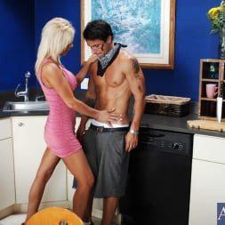 Misty Vonage in 'Naughty America' and Alan Stafford in My Friends Hot Mom (Thumbnail 3)
