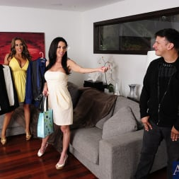 Richelle Ryan in 'Naughty America' Richelle Ryan, Veronica Avluv and Anthony Rosano in 2 Chicks Same Time (Thumbnail 1)