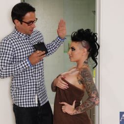 Christy Mack in 'Naughty America' and Alan Stafford in My Sisters Hot Friend (Thumbnail 1)