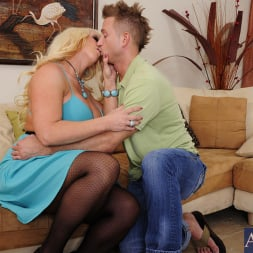 Alura Jenson in 'Naughty America' and Bill Bailey in My Friends Hot Mom (Thumbnail 13)