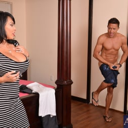 Holly Halston in 'Naughty America' and Pike Nelson in My Friends Hot Mom (Thumbnail 2)