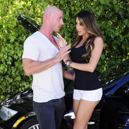 Kortney Kane in 'Naughty America' and Johnny Sins in My Dad's Hot Girlfriend (Thumbnail 2)