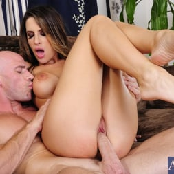 Kortney Kane in 'Naughty America' and Johnny Sins in My Dad's Hot Girlfriend (Thumbnail 9)