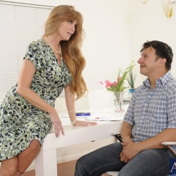 Darla Crane in 'Naughty America' and Anthony Rosano in My Friends Hot Mom (Thumbnail 2)