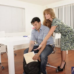 Darla Crane in 'Naughty America' and Anthony Rosano in My Friends Hot Mom (Thumbnail 3)