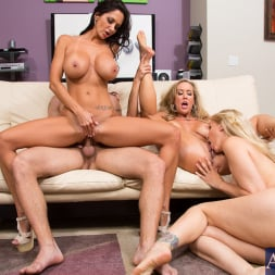 Ava Addams in 'Naughty America' My Friends Hot Mom (Thumbnail 15)