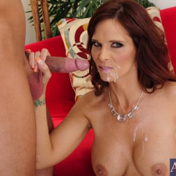 Syren De Mer in 'Naughty America' and Bill Bailey in Seduced by a cougar (Thumbnail 15)