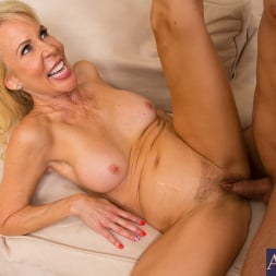 Erica Lauren in 'Naughty America' and Mr. Pete in Seduced by a cougar (Thumbnail 5)