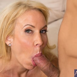Erica Lauren in 'Naughty America' and Mr. Pete in Seduced by a cougar (Thumbnail 15)