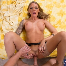 Juelz Ventura in 'Naughty America' and Danny Wylde in Housewife 1 on 1 (Thumbnail 10)