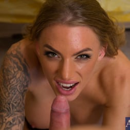 Juelz Ventura in 'Naughty America' and Danny Wylde in Housewife 1 on 1 (Thumbnail 15)