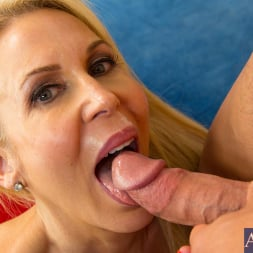 Erica Lauren in 'Naughty America' and Johnny Castle in My Friends Hot Mom (Thumbnail 11)