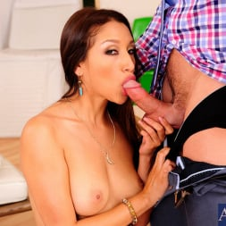 Vicki Chase in 'Naughty America' and Johnny Castle in My Wife's Hot Friend (Thumbnail 4)