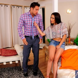 Vicki Chase in 'Naughty America' and Johnny Castle in My Wife's Hot Friend (Thumbnail 12)