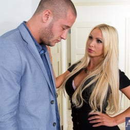 Nikki Benz in 'Naughty America' and Danny Mountain in My Wife's Hot Friend (Thumbnail 1)