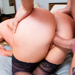 Nikki Benz in 'Naughty America' and Danny Mountain in My Wife's Hot Friend (Thumbnail 8)