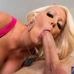 Alura Jenson in 'Naughty America' and Cody Sky in Seduced by a cougar (Thumbnail 4)