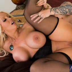 Alura Jenson in 'Naughty America' and Cody Sky in Seduced by a cougar (Thumbnail 12)