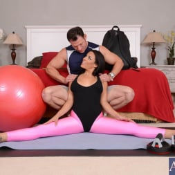 Luna Star in 'Naughty America'  and Emerge in Naughty Athletics (Thumbnail 1)