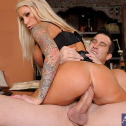Lolly Ink in 'Naughty America'  and Billy Glide in Naughty Office (Thumbnail 5)