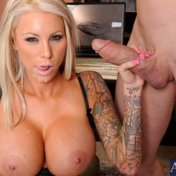 Lolly Ink in 'Naughty America'  and Billy Glide in Naughty Office (Thumbnail 13)