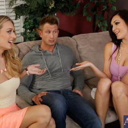 Holly Michaels in 'Naughty America' Holly Michaels, Natalia Starr and Bill Bailey in 2 Chicks Same Time (Thumbnail 14)