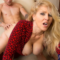 Julia Ann in 'Naughty America' and Mr. Pete in Naughty Office (Thumbnail 8)