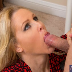 Julia Ann in 'Naughty America' and Mr. Pete in Naughty Office (Thumbnail 13)
