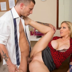 Julia Ann in 'Naughty America' and Mr. Pete in Naughty Office (Thumbnail 14)