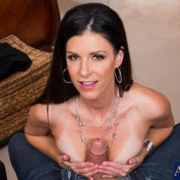 India Summer in 'Naughty America' and Billy Glide in Housewife 1 on 1 (Thumbnail 4)