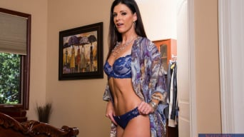India Summer in 'and Billy Glide in Housewife 1 on 1'