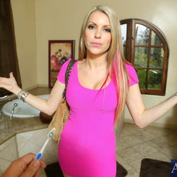 Courtney Cummz in 'Naughty America' and Jerry in Housewife 1 on 1 (Thumbnail 2)
