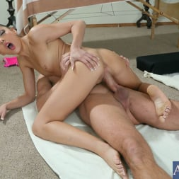 Evilyn Fierce in 'Naughty America' and Will Powers in Naughty Athletics (Thumbnail 14)