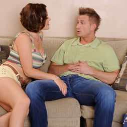 Krissy Lynn in 'Naughty America' and Bill Bailey in My Wife's Hot Friend (Thumbnail 3)