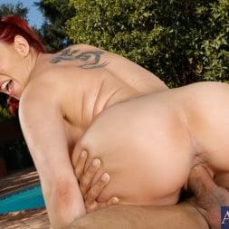 Kelly Divine in 'Naughty America' and Karlo Karrera in My Friend's Hot Girl (Thumbnail 12)