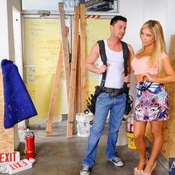Tasha Reign in 'Naughty America' and Seth Gamble in My Dad's Hot Girlfriend (Thumbnail 1)
