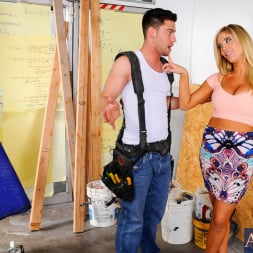Tasha Reign in 'Naughty America' and Seth Gamble in My Dad's Hot Girlfriend (Thumbnail 2)